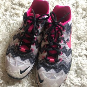 Nike shoes size 8